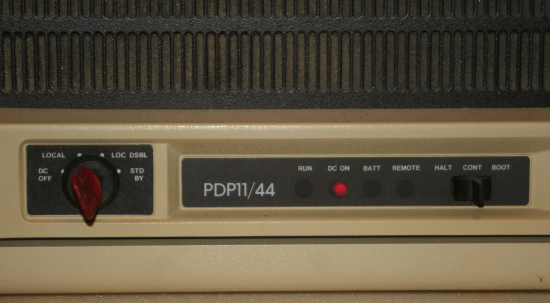pdp1144_frontpanel